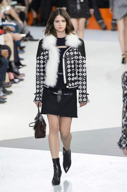defile-louis-vuitton-automne-hiver-2015-2016-paris-look-28